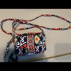 Vera breadly cross body